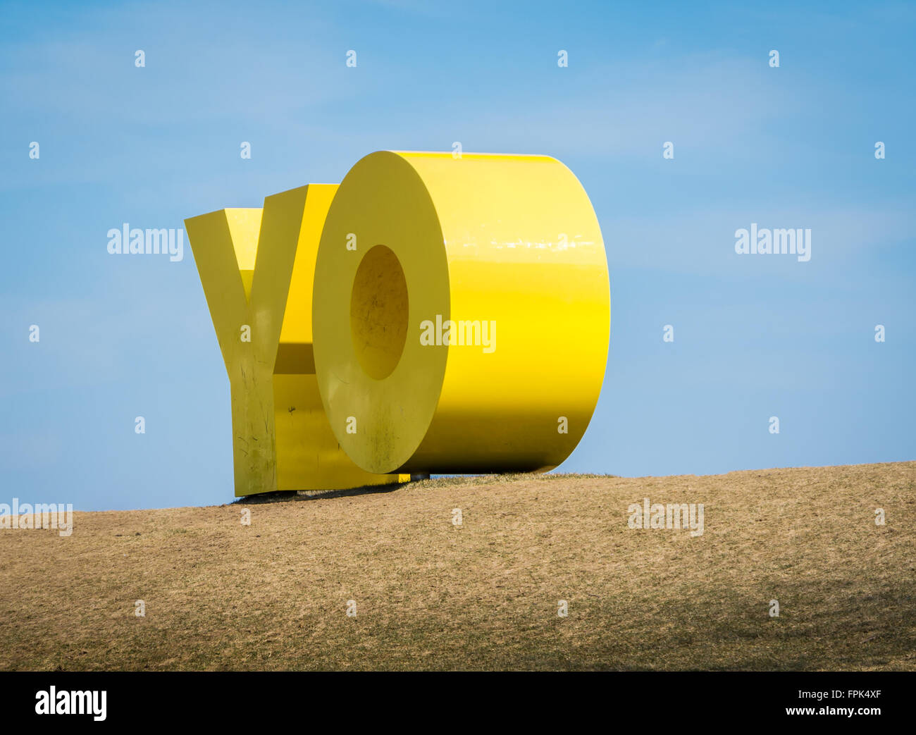 Close up of the OY/YO sculpture by  Deborah Kass on the lawn of Main Street in Dumbo, Brooklyn, without people - Stock Image