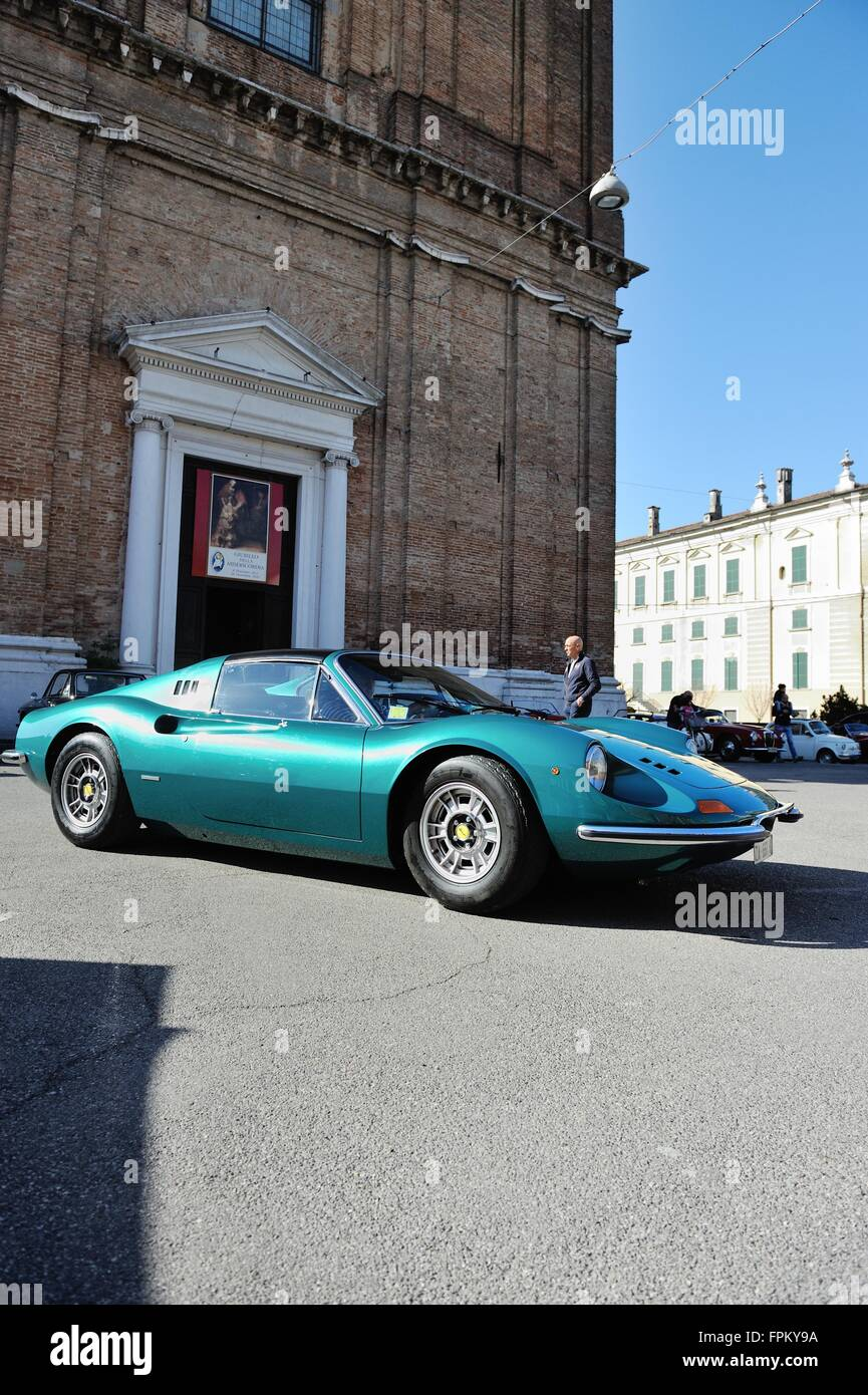 Pralboino Italy 19th March 2016 A Green 1974 Ferrari Dino 246 Gts Stock Photo Alamy