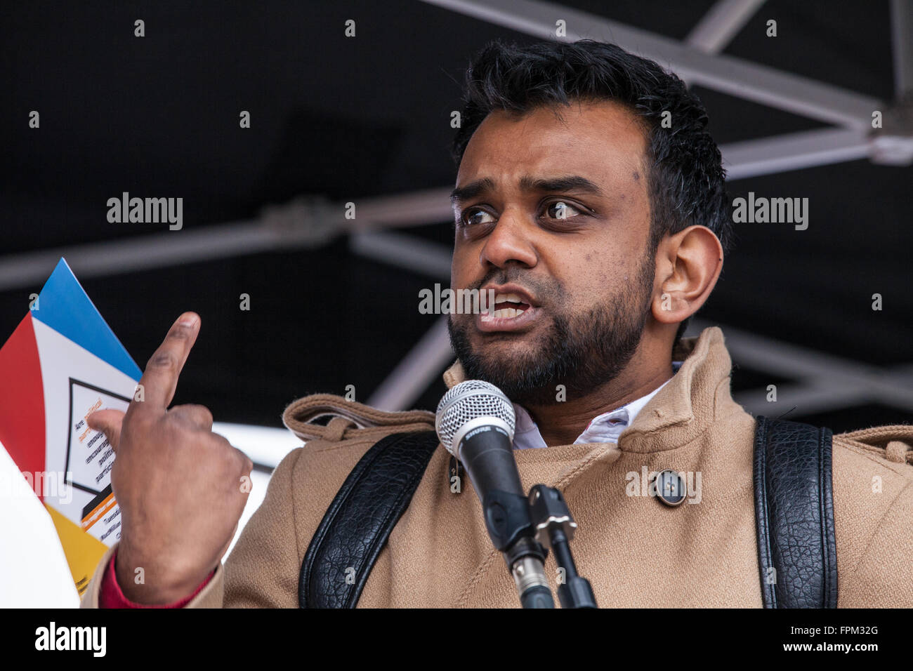 London, UK. 19th March, 2016. Shamiul Joarder of Friends of Al Aqsa addresses thousands of anti-racist campaigners - Stock Image