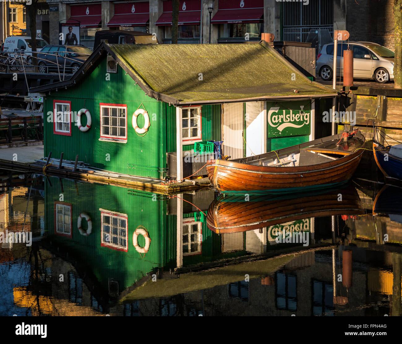 Floating café, Christianshavns canal, Copenhagen, Denmark - Stock Image