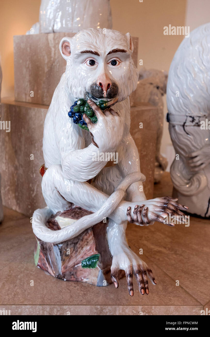 Affe mit Weintraube by Johann Kandler, Dresden Porcelain Collection, Porzellansammlung, Staatliche Kunstsammlungen Stock Photo
