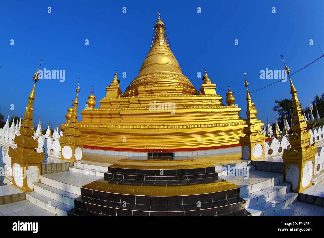 White dhamma ceti shrines at Sandamuni Pagoda, Mandalay, Myanmar (Burma) - Stock Image