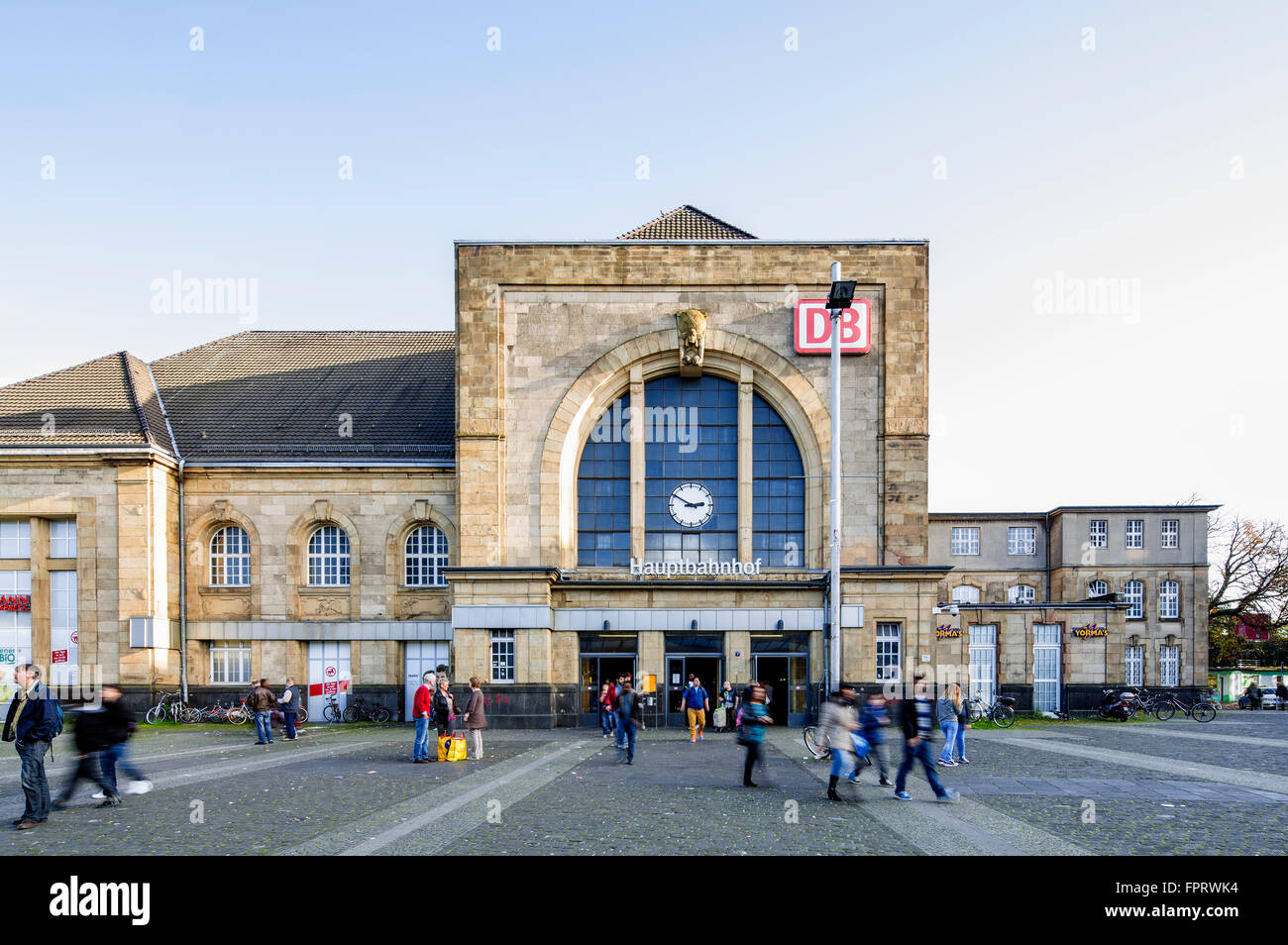 Central railway station, Mönchengladbach, North Rhine-Westphalia, Germany - Stock Image