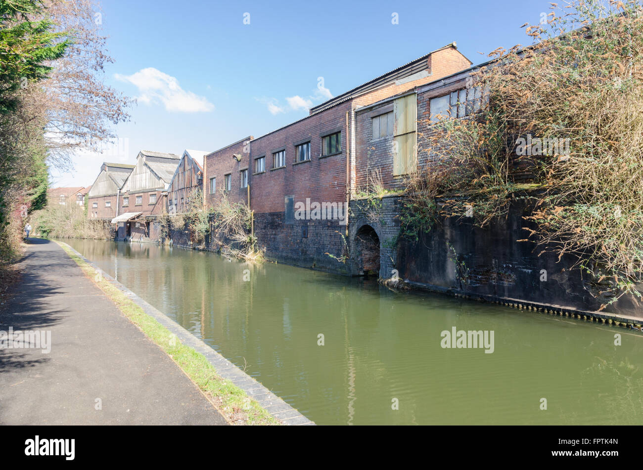 Stourbridge Canal towpath in Stourbridge, Dudley, West Midlands - Stock Image