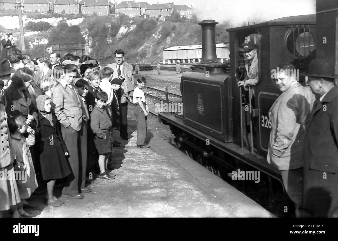 LBSCR A1X 0-6-0T 32636 waits to leave Brighton Station with an RCTS excursion to Brighton (Kemp Town) on 5th October Stock Photo