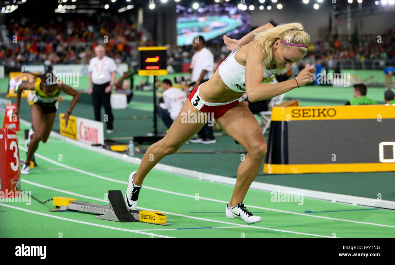 March 19, 2016 - JUSTYNA SWIETY starts in the women's 400m run at the 2016 IAAF World Indoor Track & Field - Stock Image