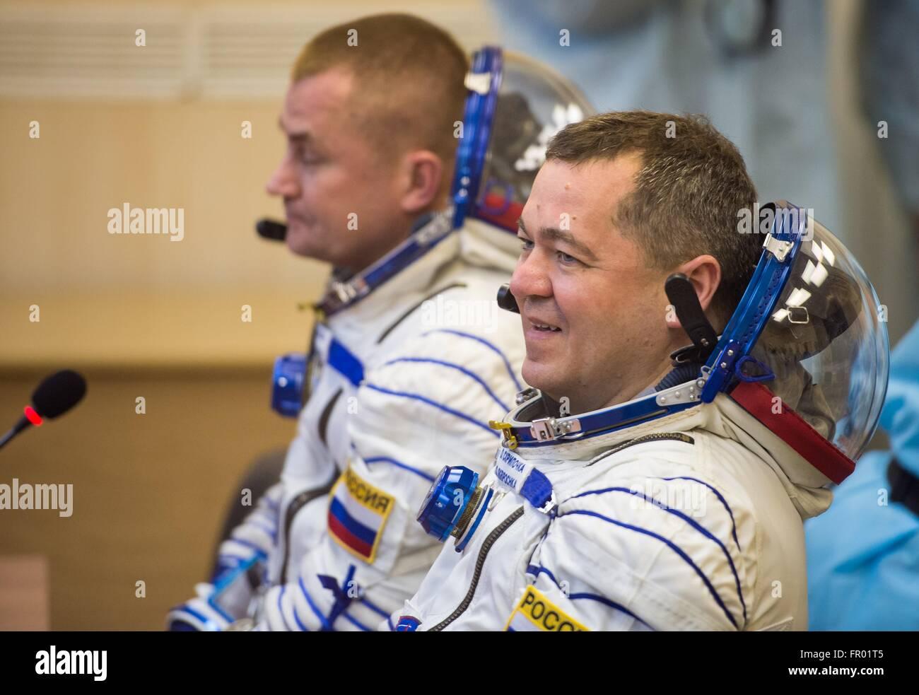 Baikonur, Kazakhstan. 19th Mar, 2016. Russian cosmonaut Oleg Skripochka speaks with family after having his Russian - Stock Image