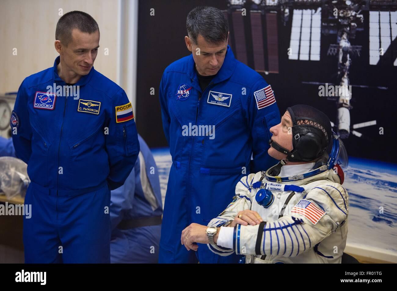Baikonur, Kazakhstan. 19th Mar, 2016. American astronaut Jeff Williams speaks with backup crew members Russian Sergey Stock Photo