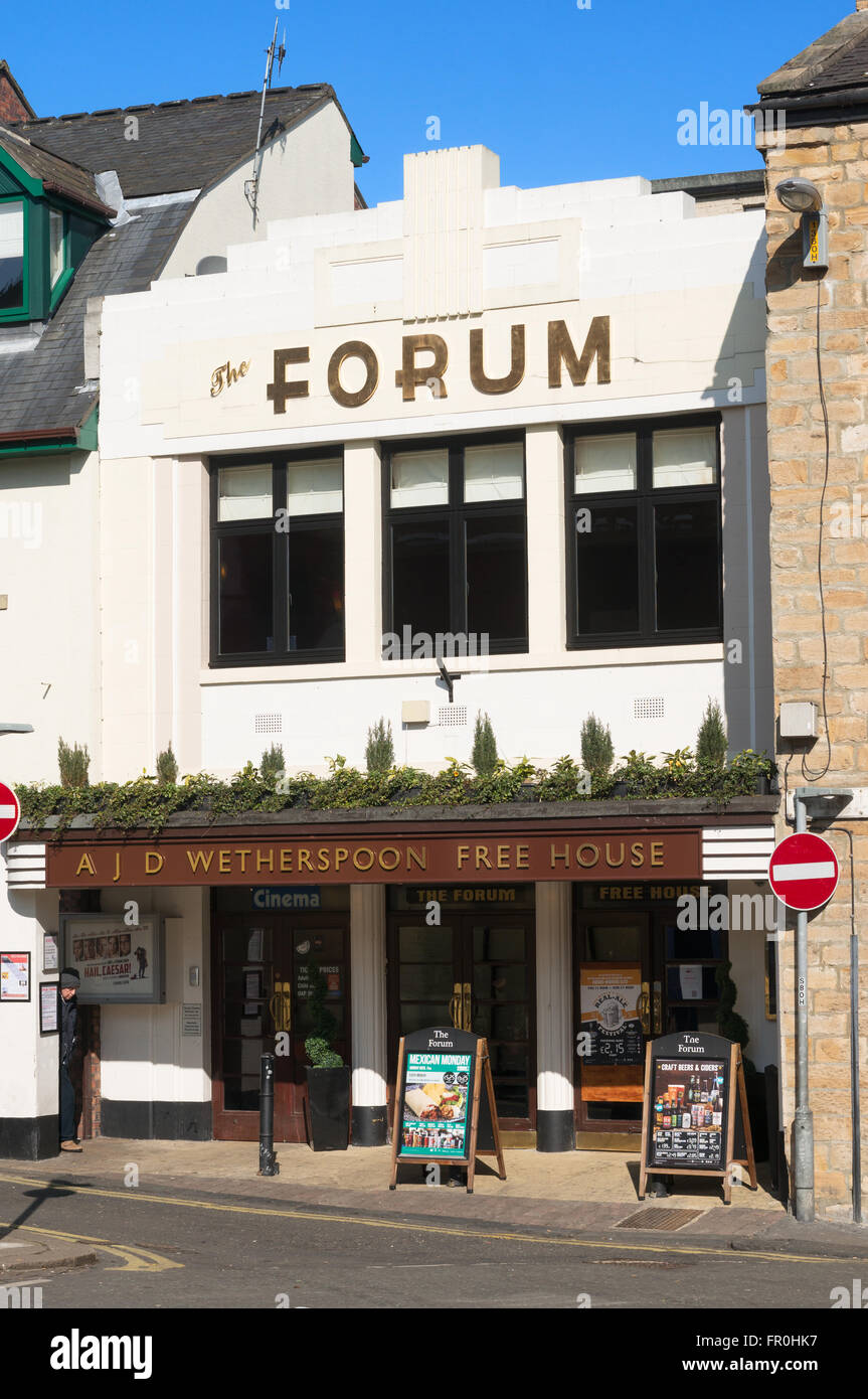 Wetherspoon's pub and the Forum community cinema in art deco style building, Hexham, Northumberland, England, - Stock Image