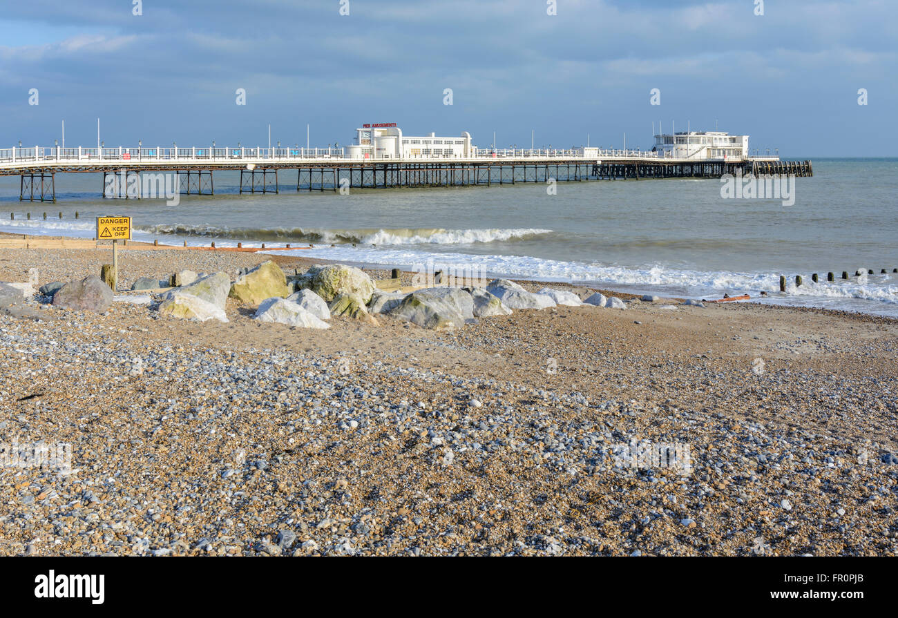 Worthing beach and pier in Worthing, West Sussex, England, UK. - Stock Image