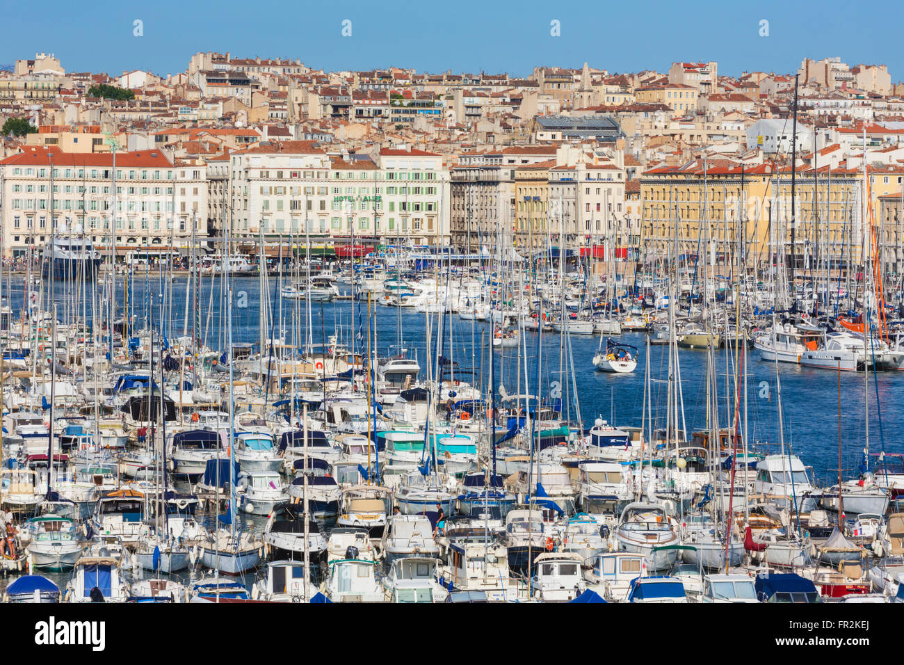 Marseille, Provence-Alpes-Côte d'Azur, France.  High view down onto Vieux-Port, the Old Port, and the city. - Stock Image