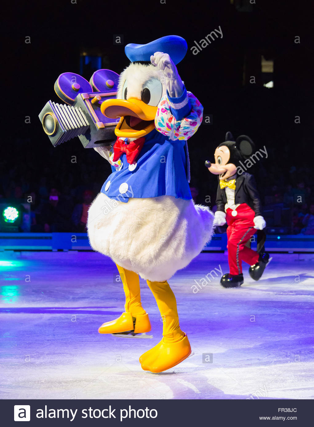 donald duck disney on ice celebrates 100 hundred years of magic