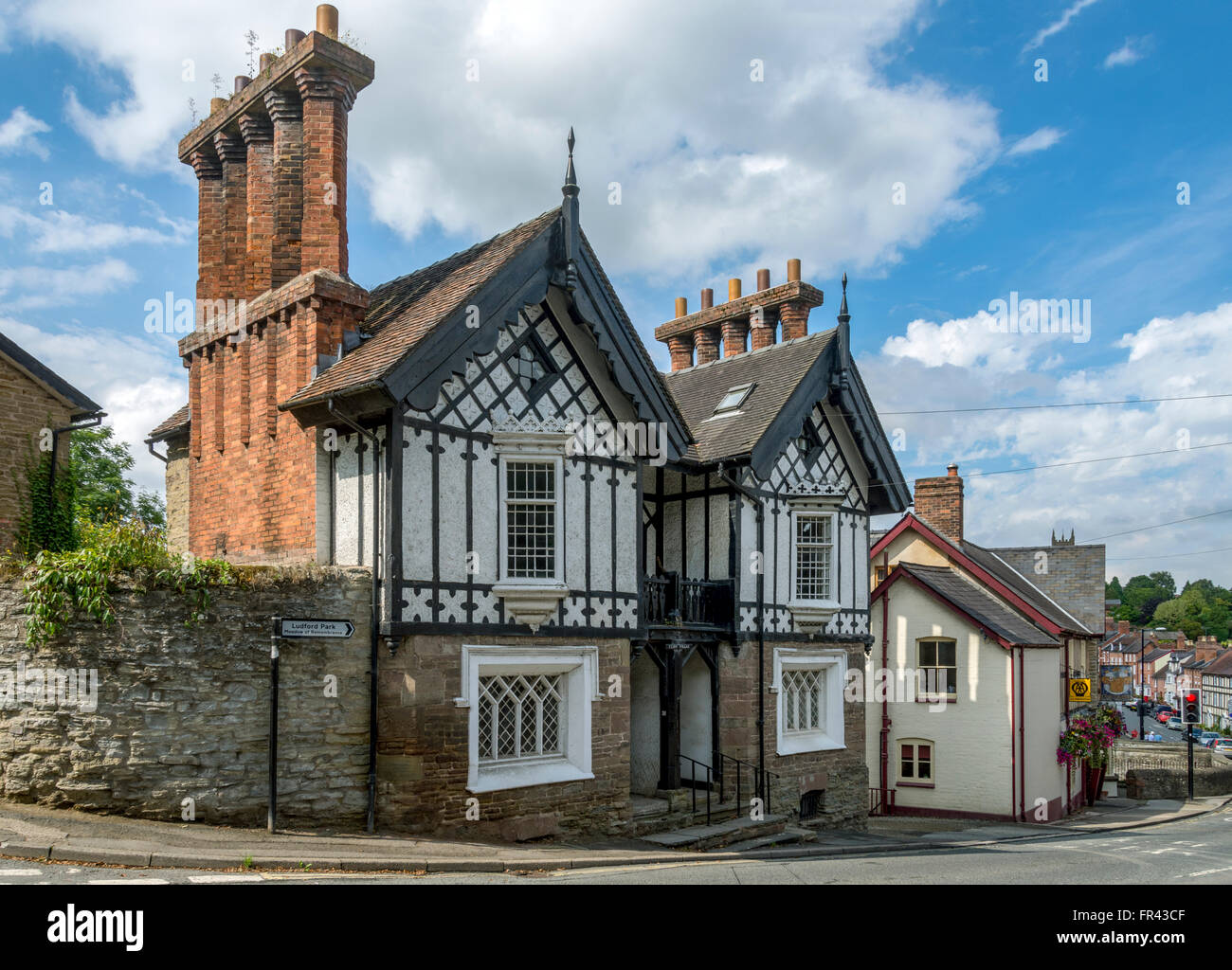 Cliff Villas, historic half-timbered cottages at Ludford, Ludlow, Shropshire, England, UK - Stock Image