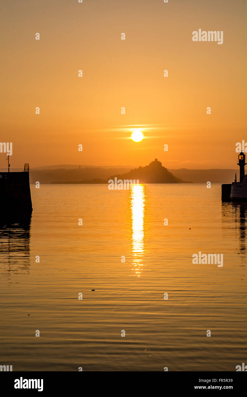 Penzance Harbour, Cornwall, UK. 21st March 2016. UK Weather. A glorious start to the day at Penzance. Credit:  Simon - Stock Image