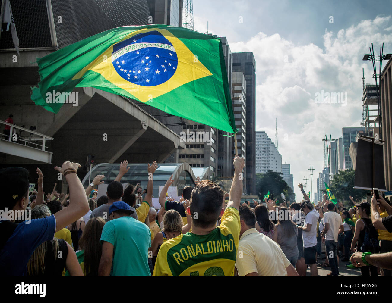 Sao Paulo, Brazil. 20 March 2016. All over Brazil, people have been taking to the streets to protest the growing - Stock Image
