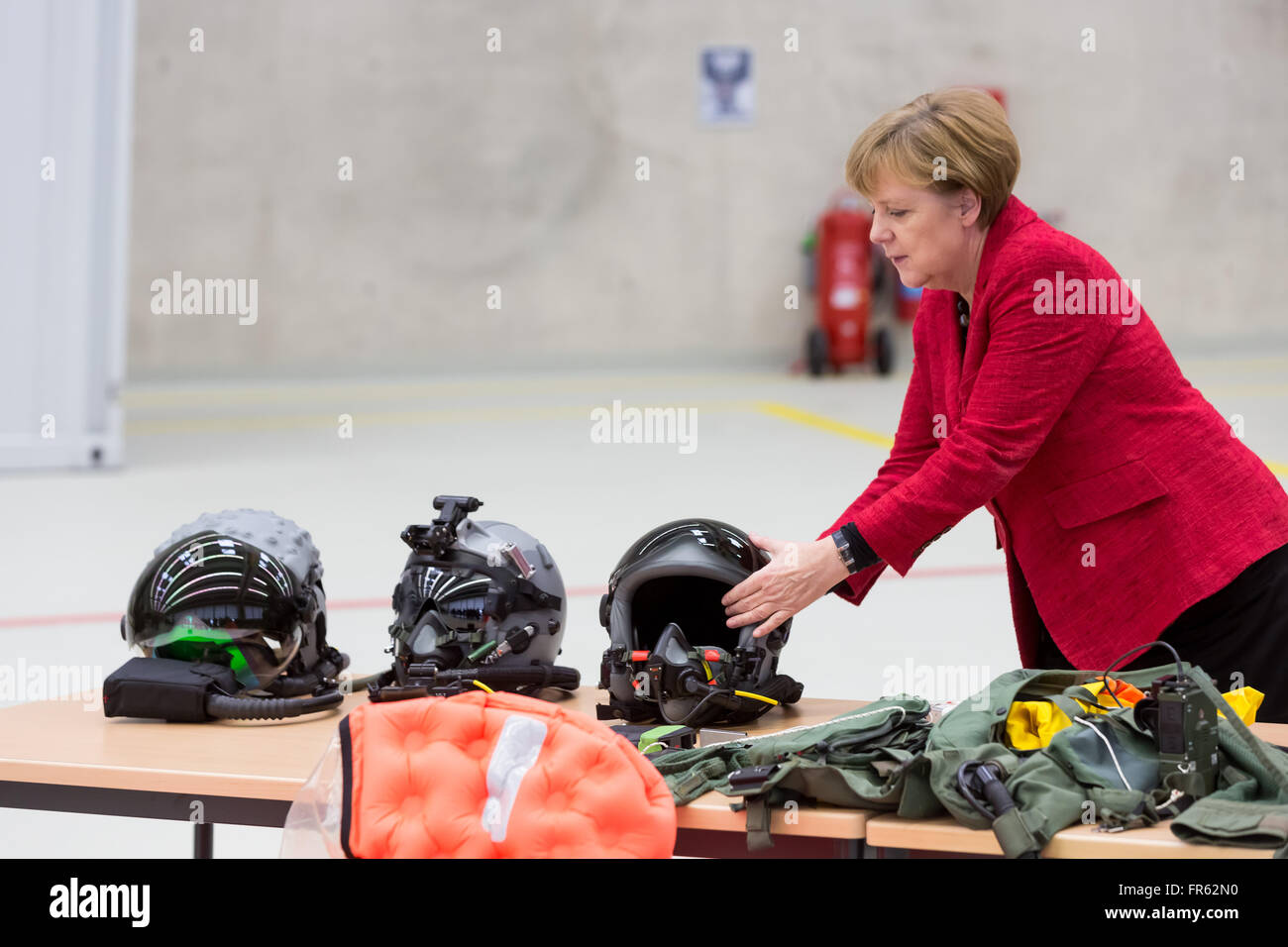 Noervenich, Germany. 21st March, 2016. Chancellor Angela Merkel visits Tactical Air Force Squadron 31 'Boelcke' - Stock Image
