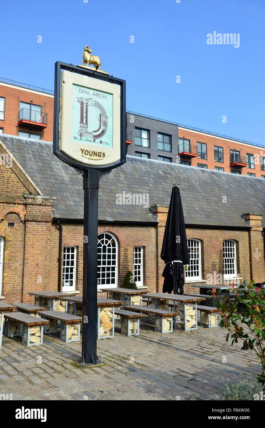 Dial Arch pub, Royal Arsenal, Woolwich, London, England - Stock Image