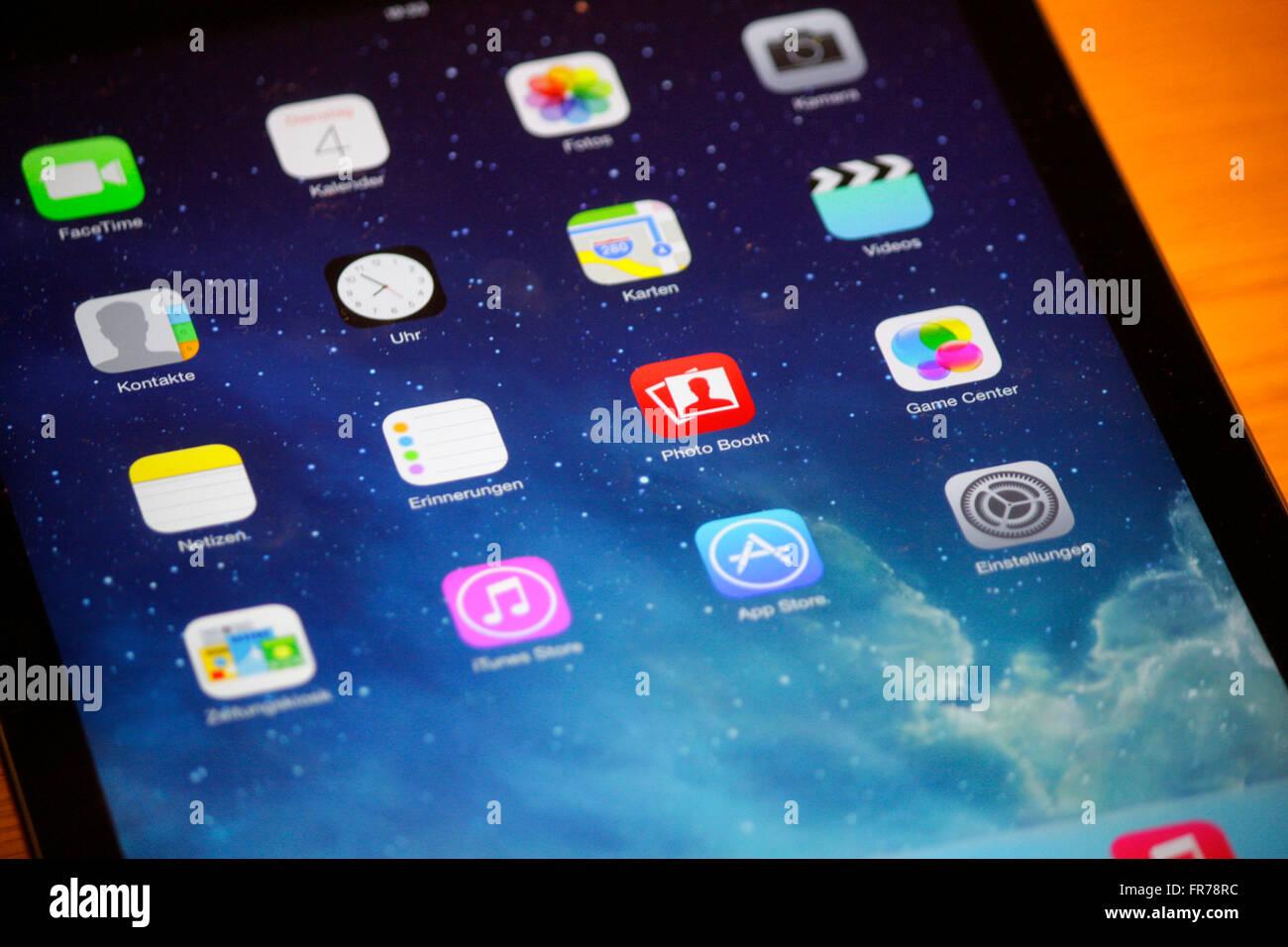 Apps auf einem IPAD der Firma 'Apple', Berlin. - Stock Image