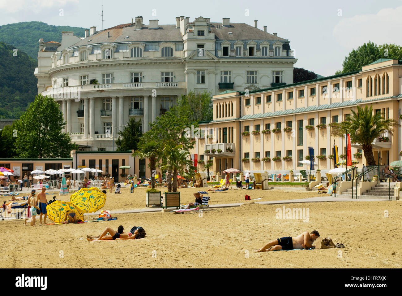 sterreich nieder sterreich baden bei wien sommer im strandbad stock photo 100363480 alamy. Black Bedroom Furniture Sets. Home Design Ideas
