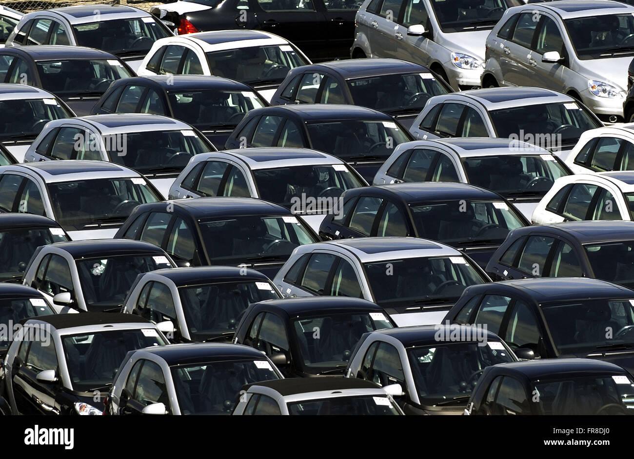 Port of Rio de Janeiro - Cars for export - Stock Image