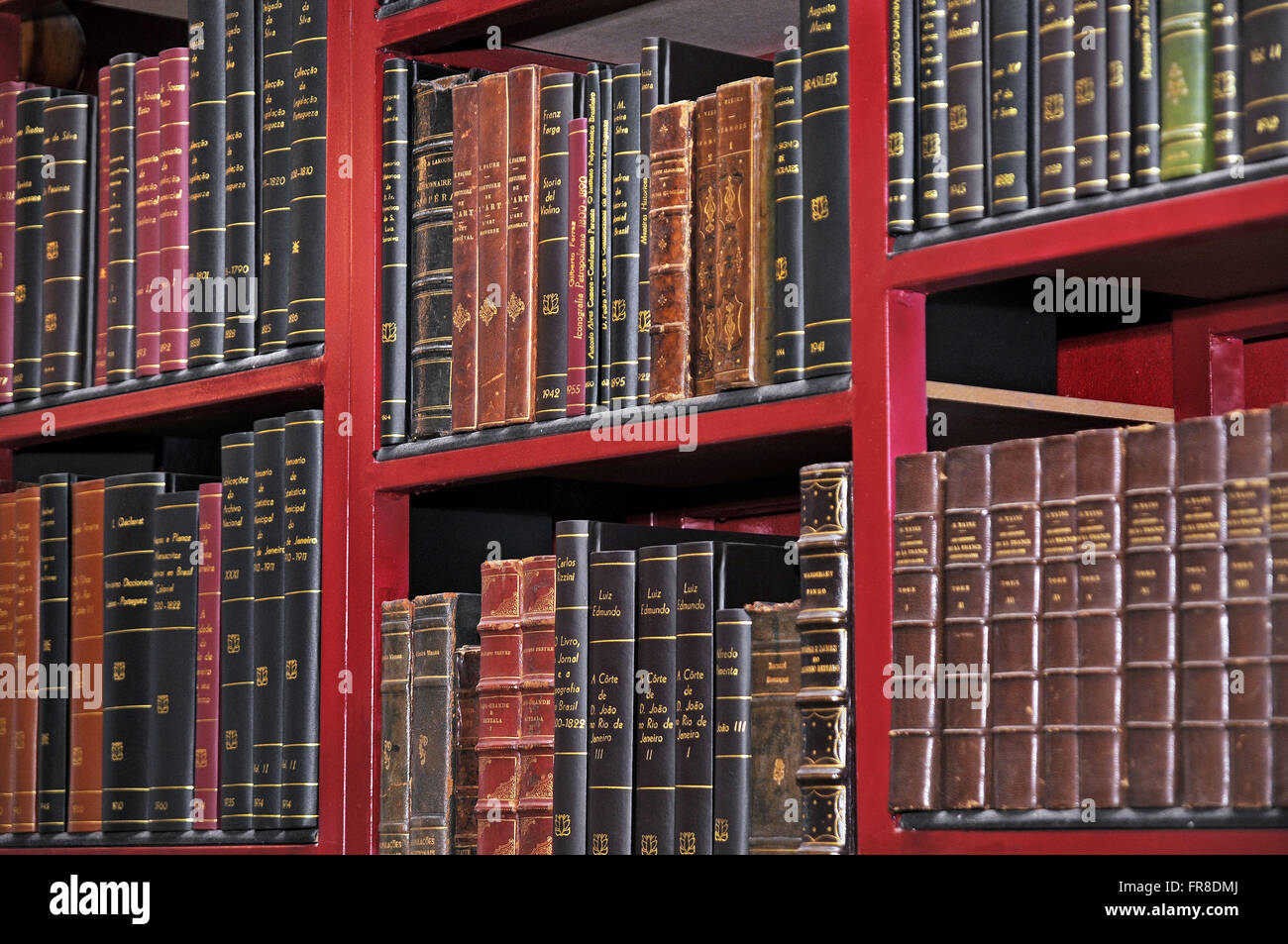 Detail of a library bookshelf - Stock Image