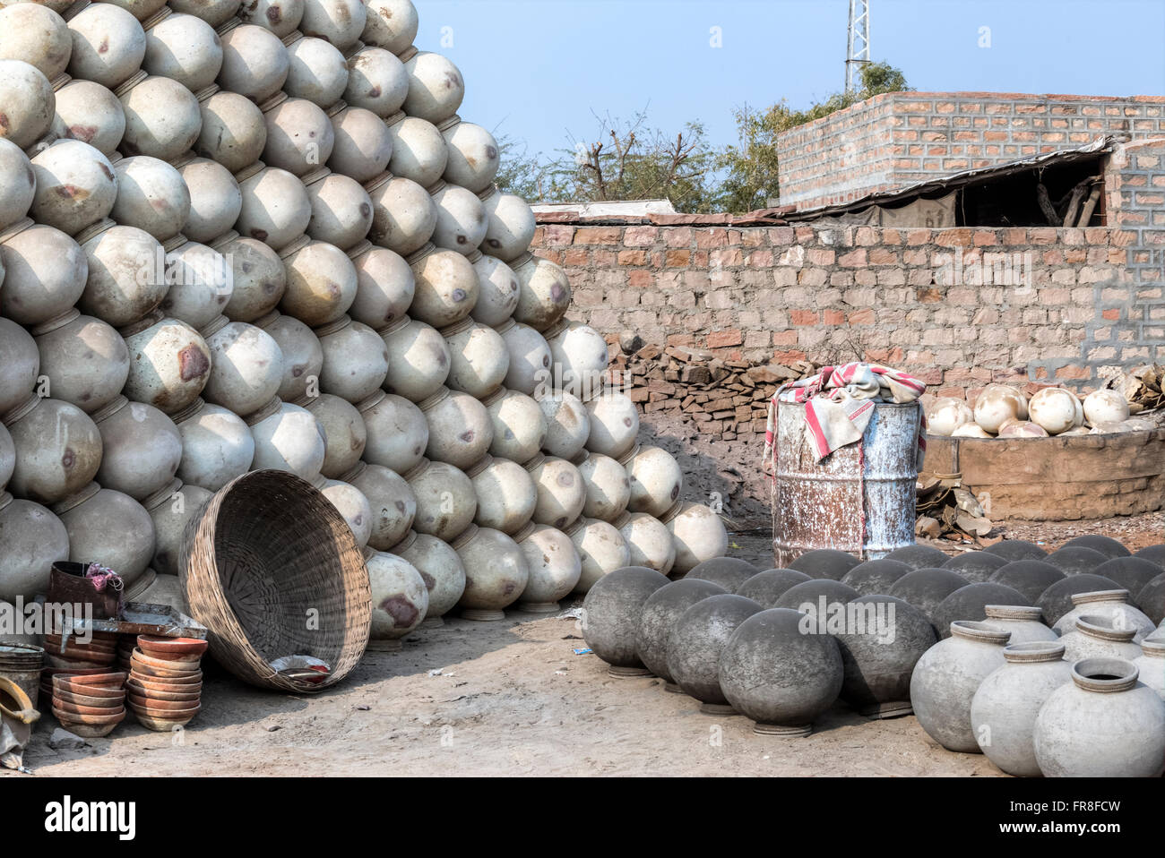 pottery in a tribal village close to Jodhpur, Rajasthan, India - Stock Image