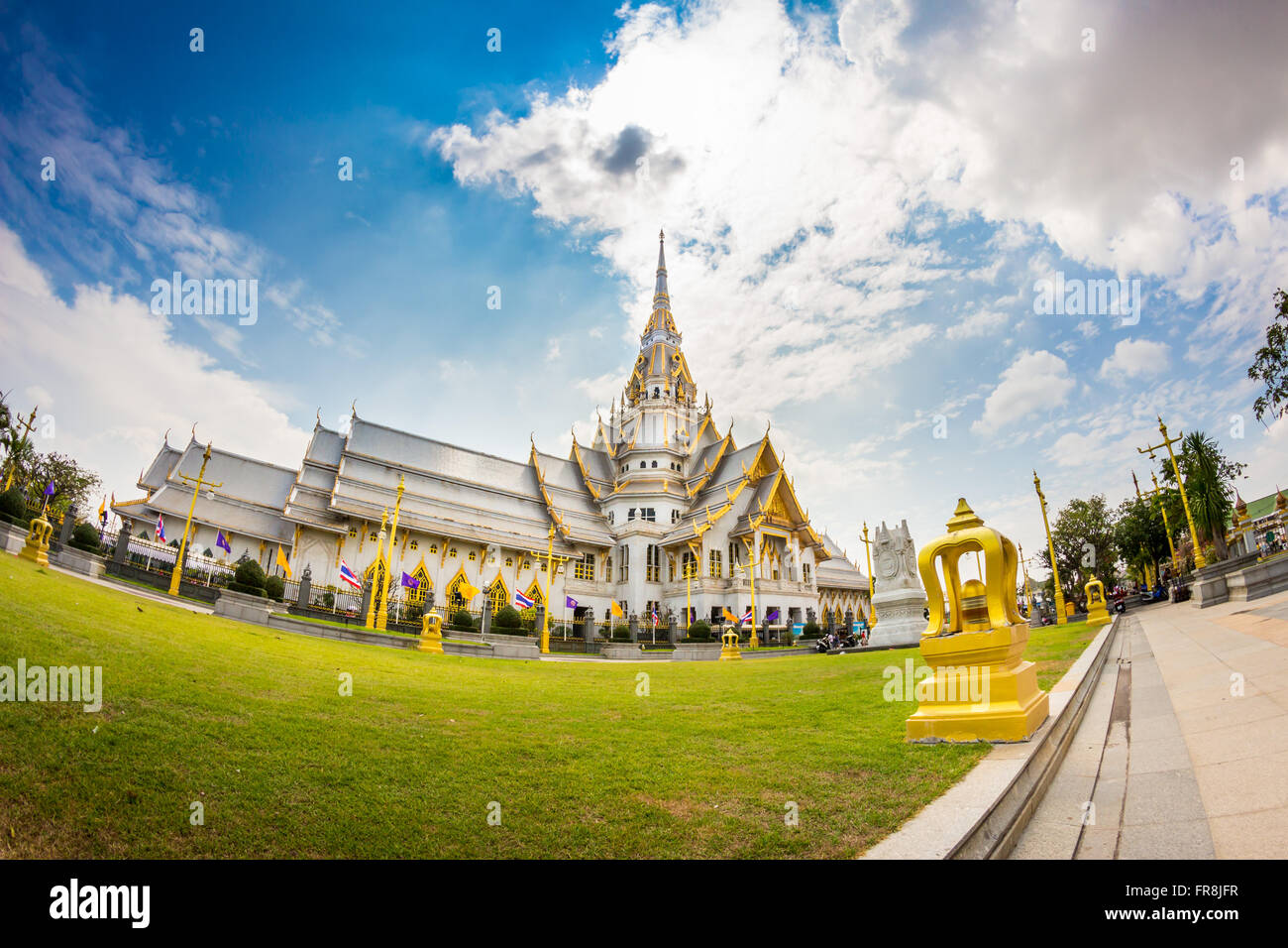 Thailand Temple, Wat Sothorn, Chachoengsao - Stock Image