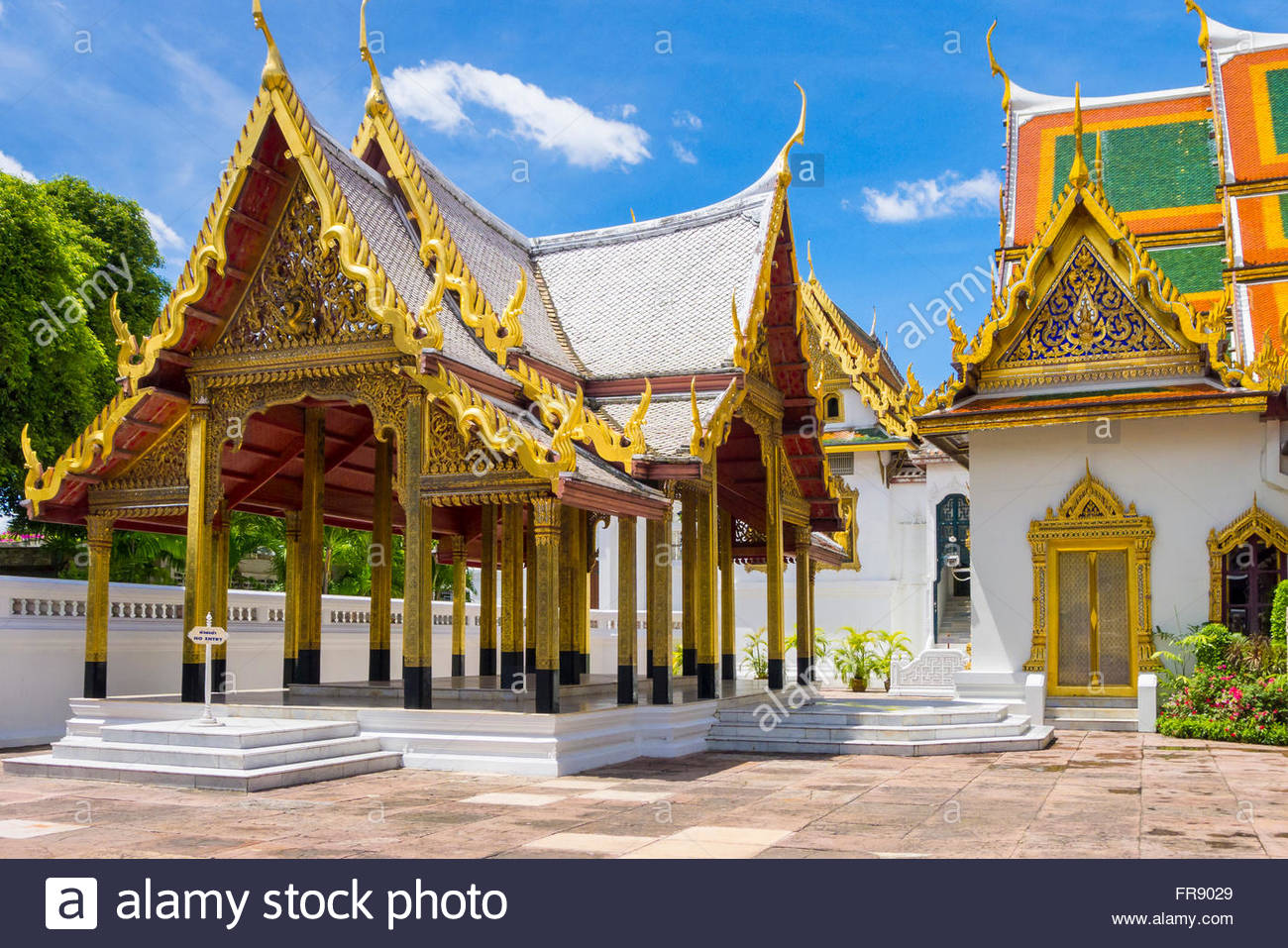 Phra Thinang Racharuedee pavilion and Phra Thinang Amarin Winitchai throne hall, Grand Palace complex, Bangkok, - Stock Image