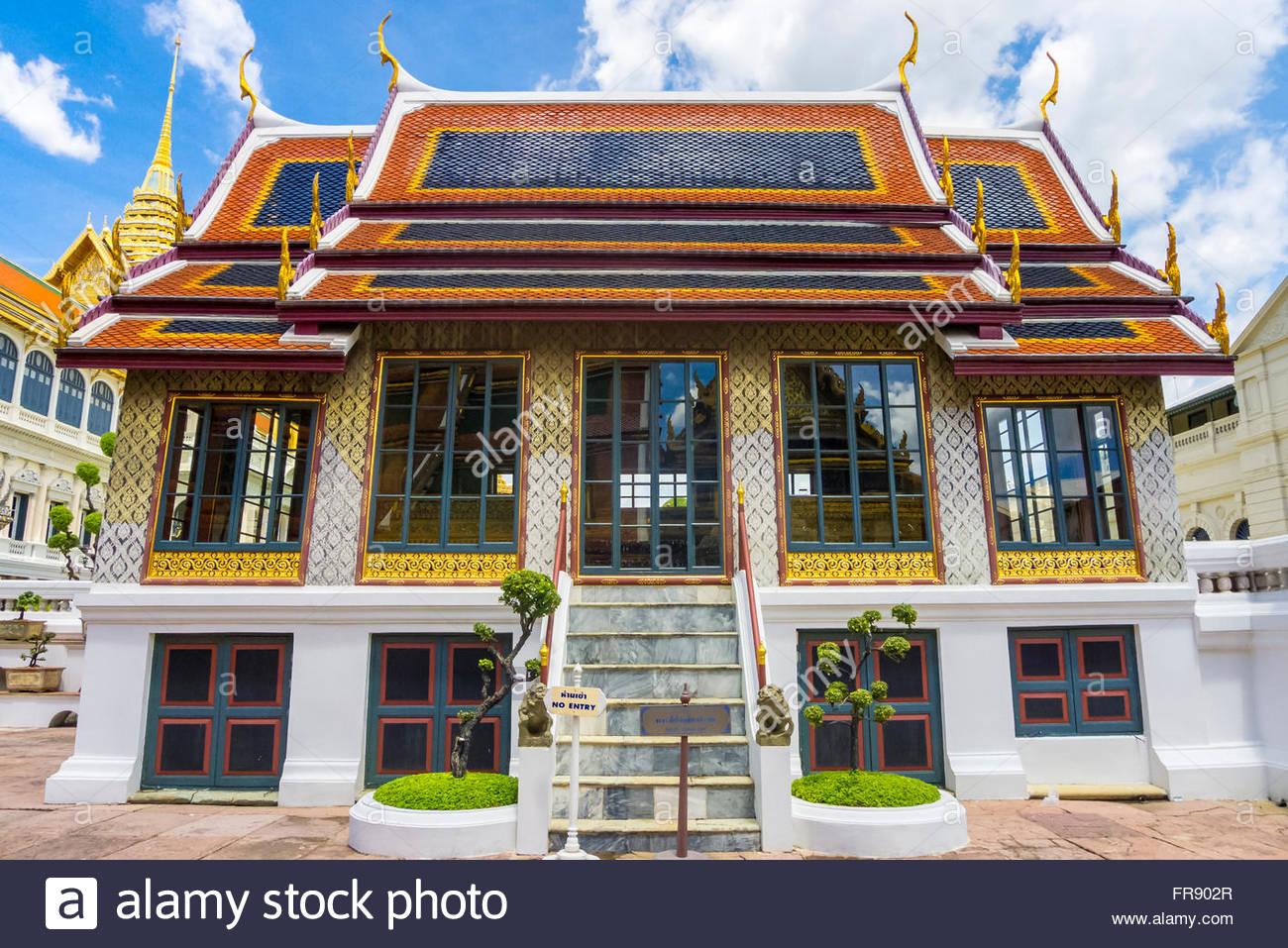 Phra Thinang Dusidaphirom hall at the Grand Palace complex, Bangkok, Thailand - Stock Image