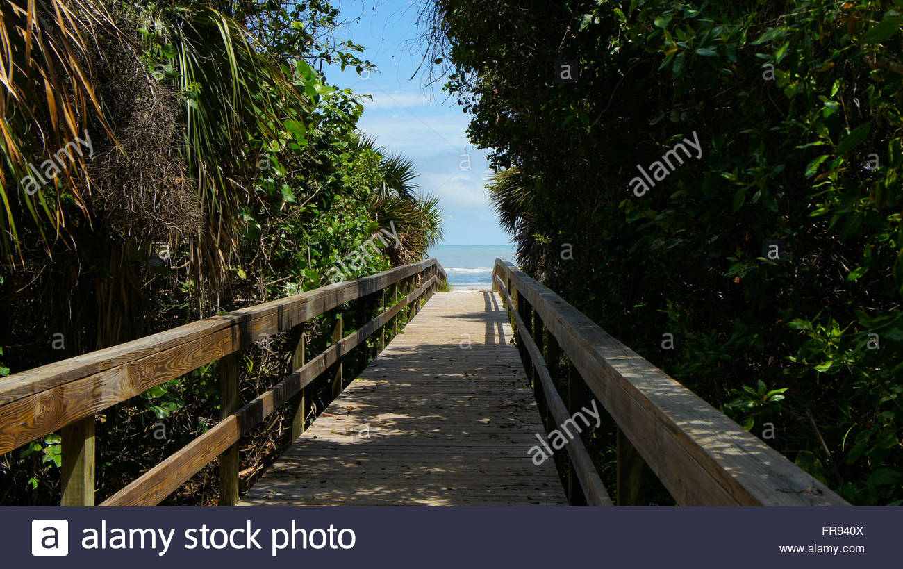 Beach Ahead ! Good Times ! Travel to Sanibel Island Florida, walk the boardwalk which leads to a beautiful south - Stock Image