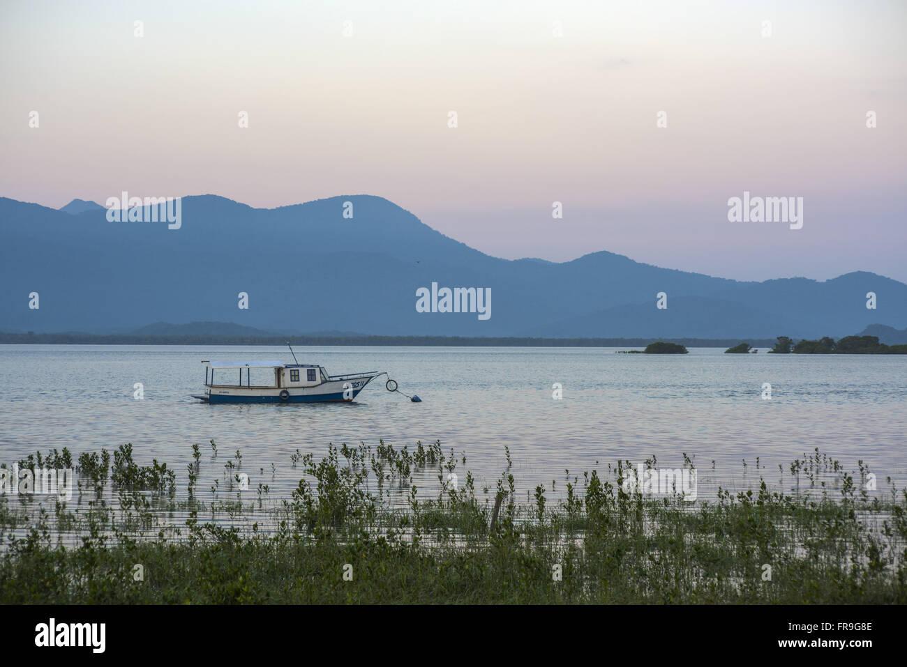 Barco ao entardecer na Baía de Antonina Stock Photo