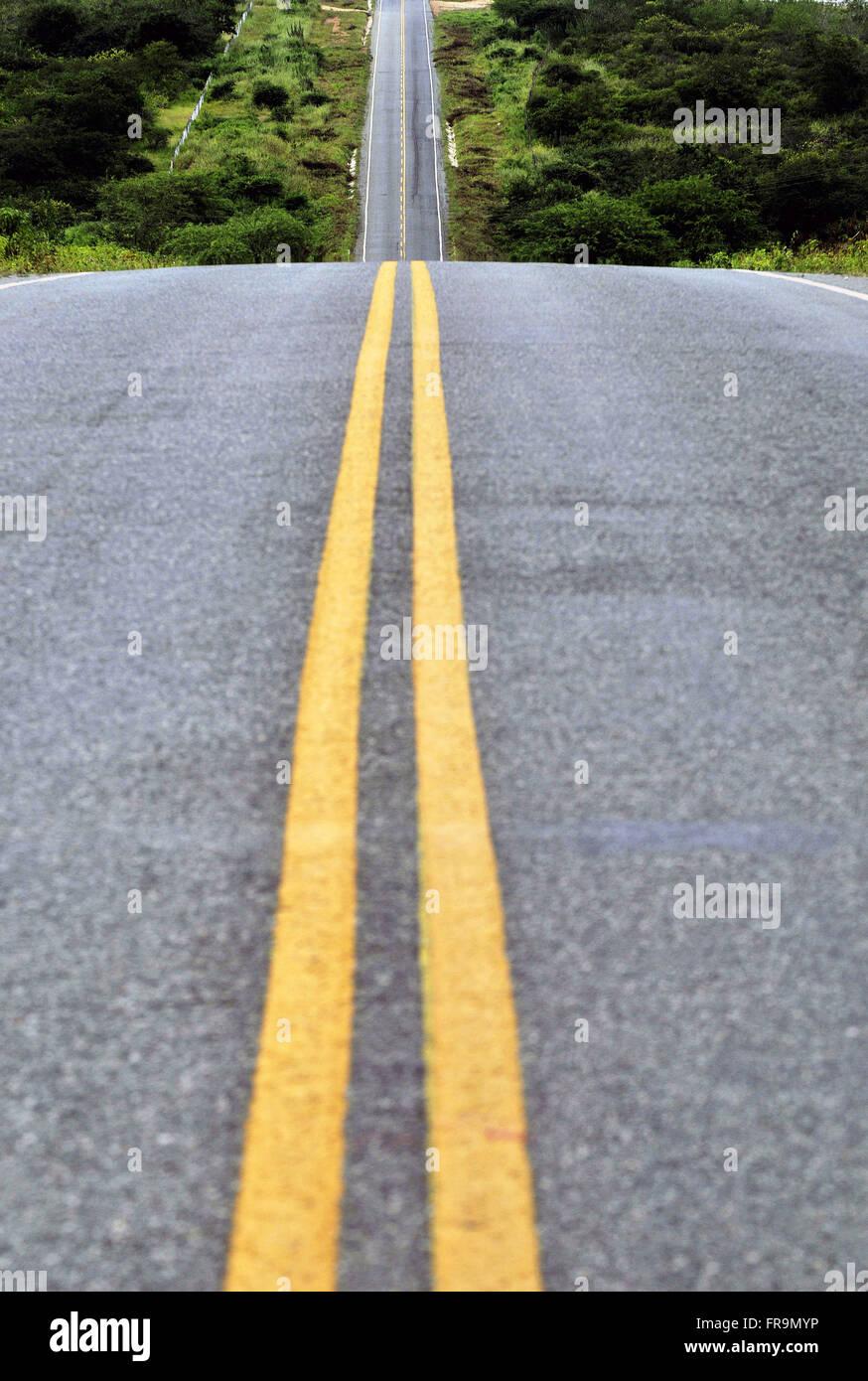 EC-363 highway between the cities of Ceará Taua and Mombaca - Stock Image