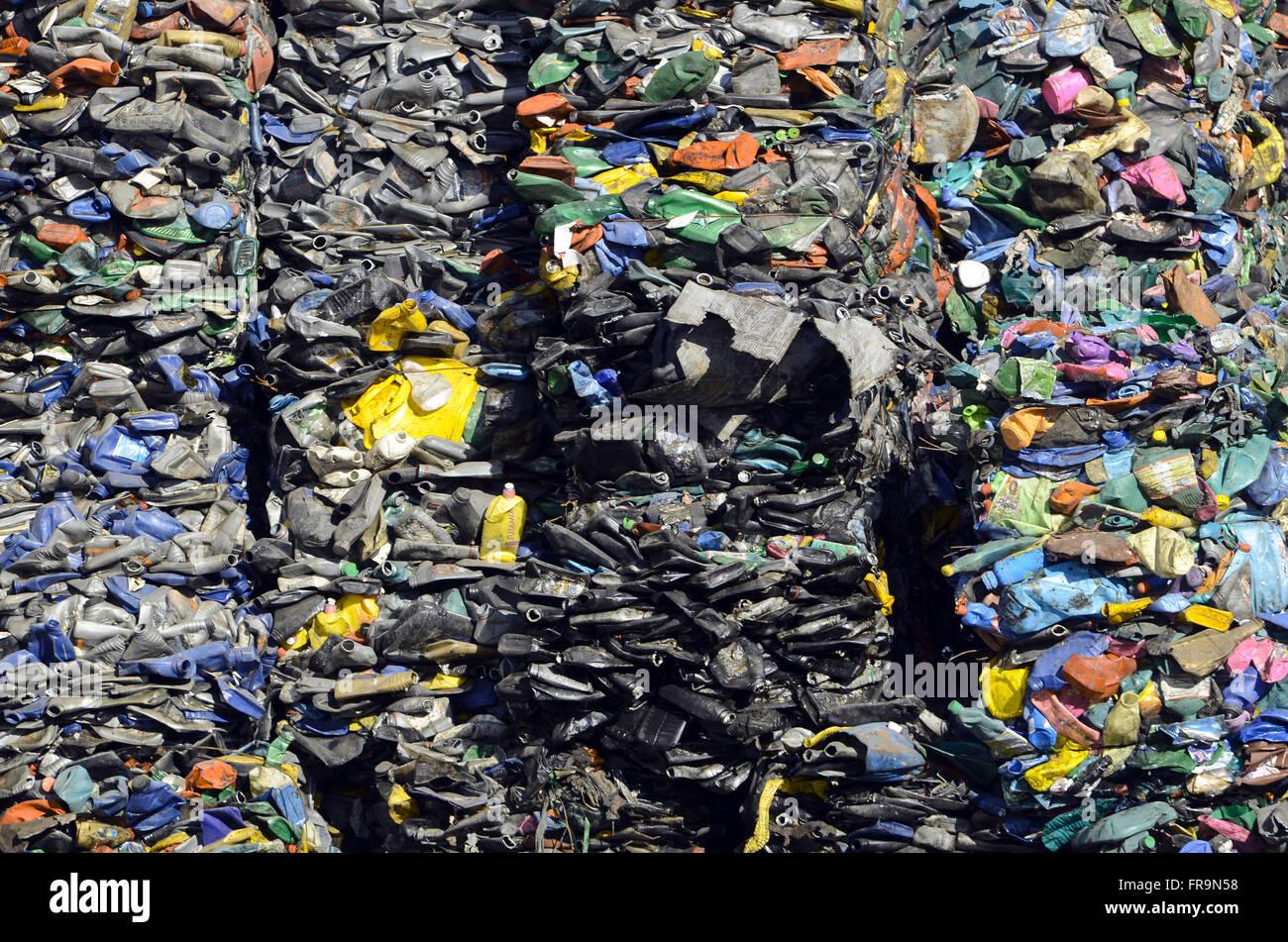 Pressed garbage for recycling - Sanitary Landfill of Jardim Gramacho - Stock Image