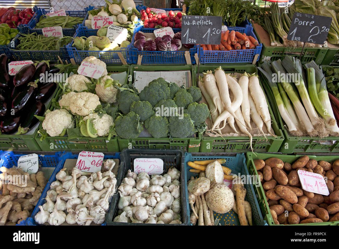 Vegetables at the market stall-free Naschmarkt in Vienna - austria - Stock Image