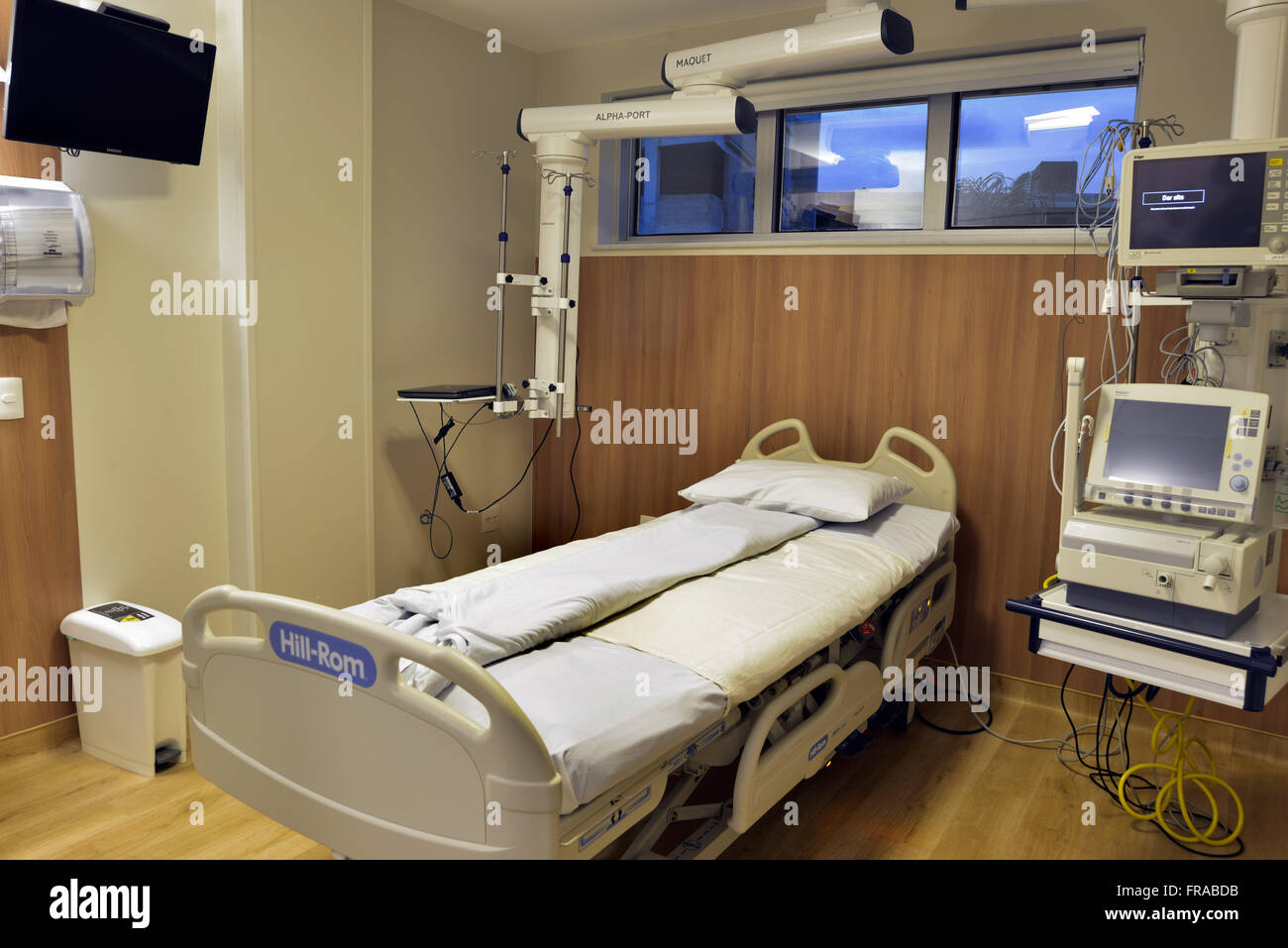 Bed Intensive Care Unit in a private hospital - Stock Image