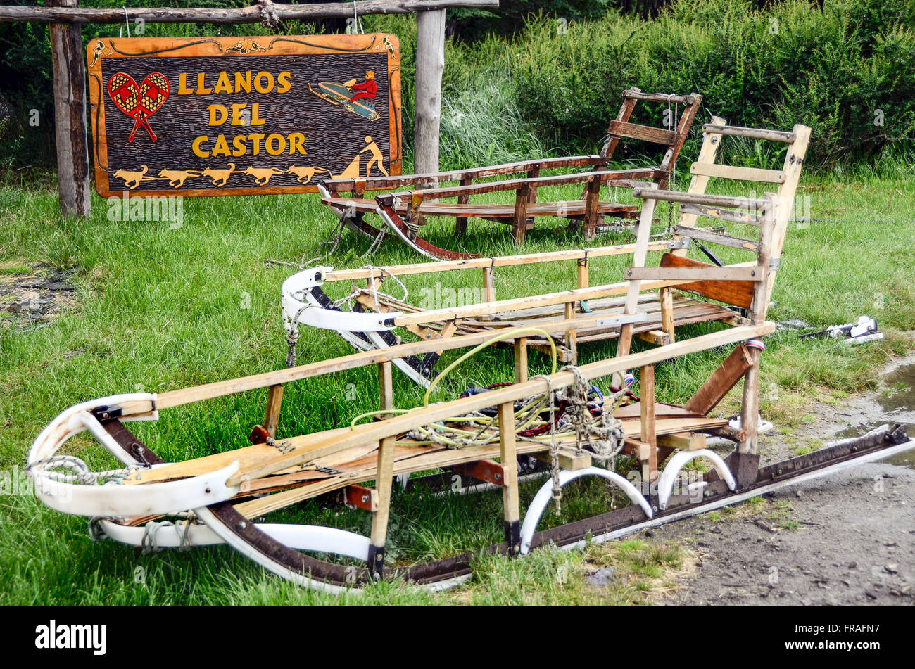 Models of sleds pulled by dogs in Llanos del Castor - Stock Image