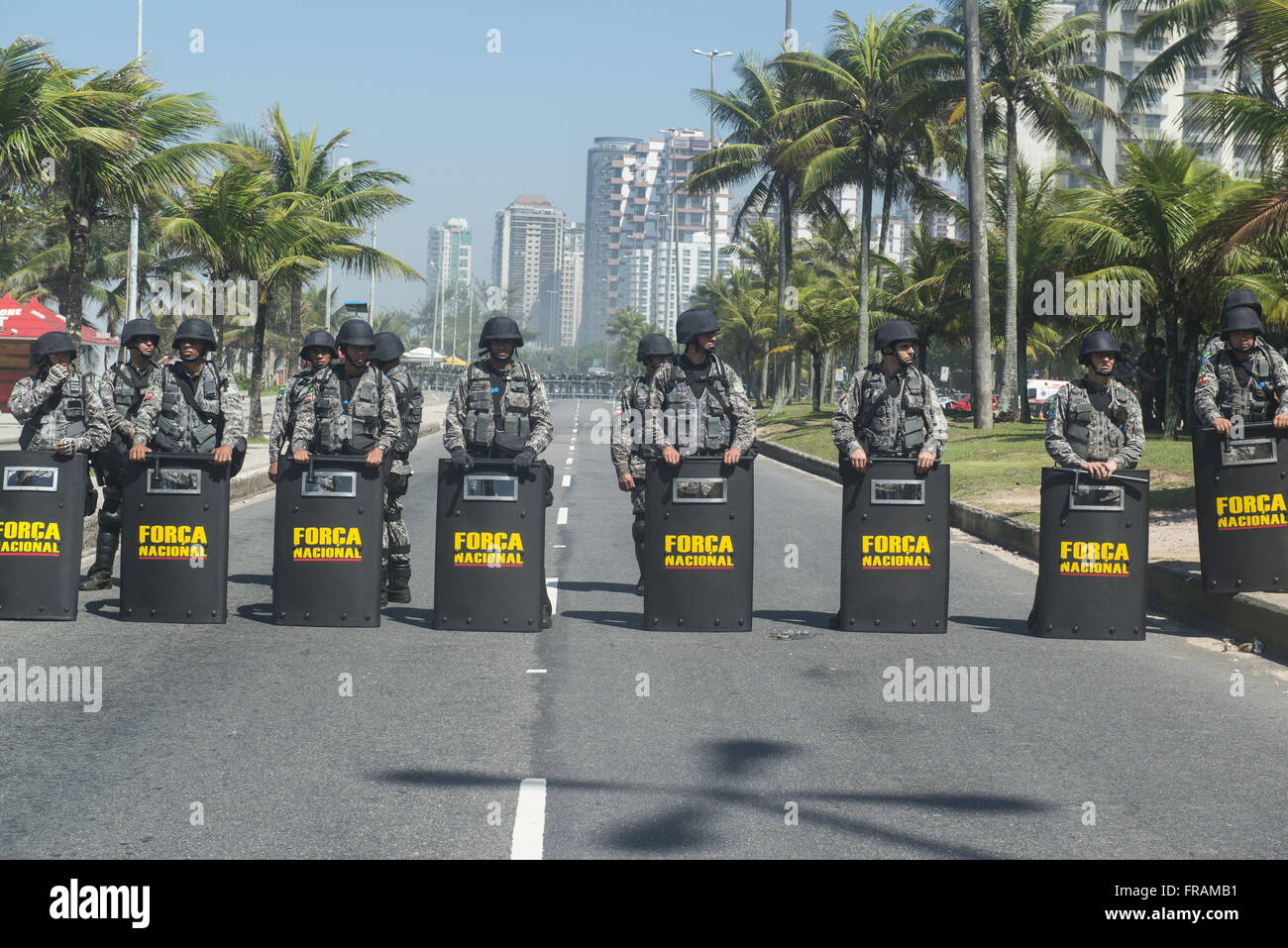 Policing the National Forca to protest against the auction of the field Pound - Stock Image
