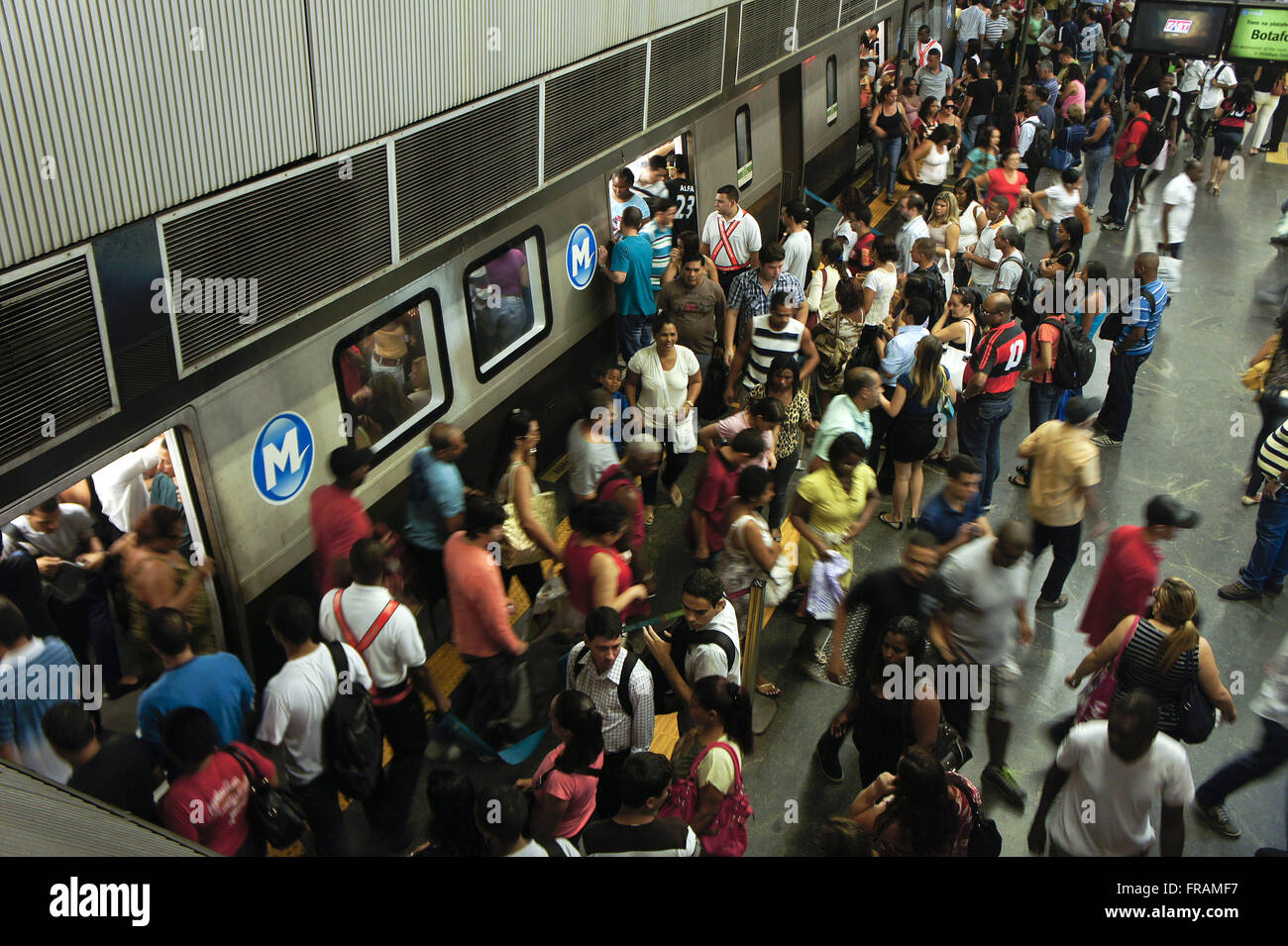 Embarkation and disembarkation of passengers on the subway at the station of the Central Brazil - Stock Image
