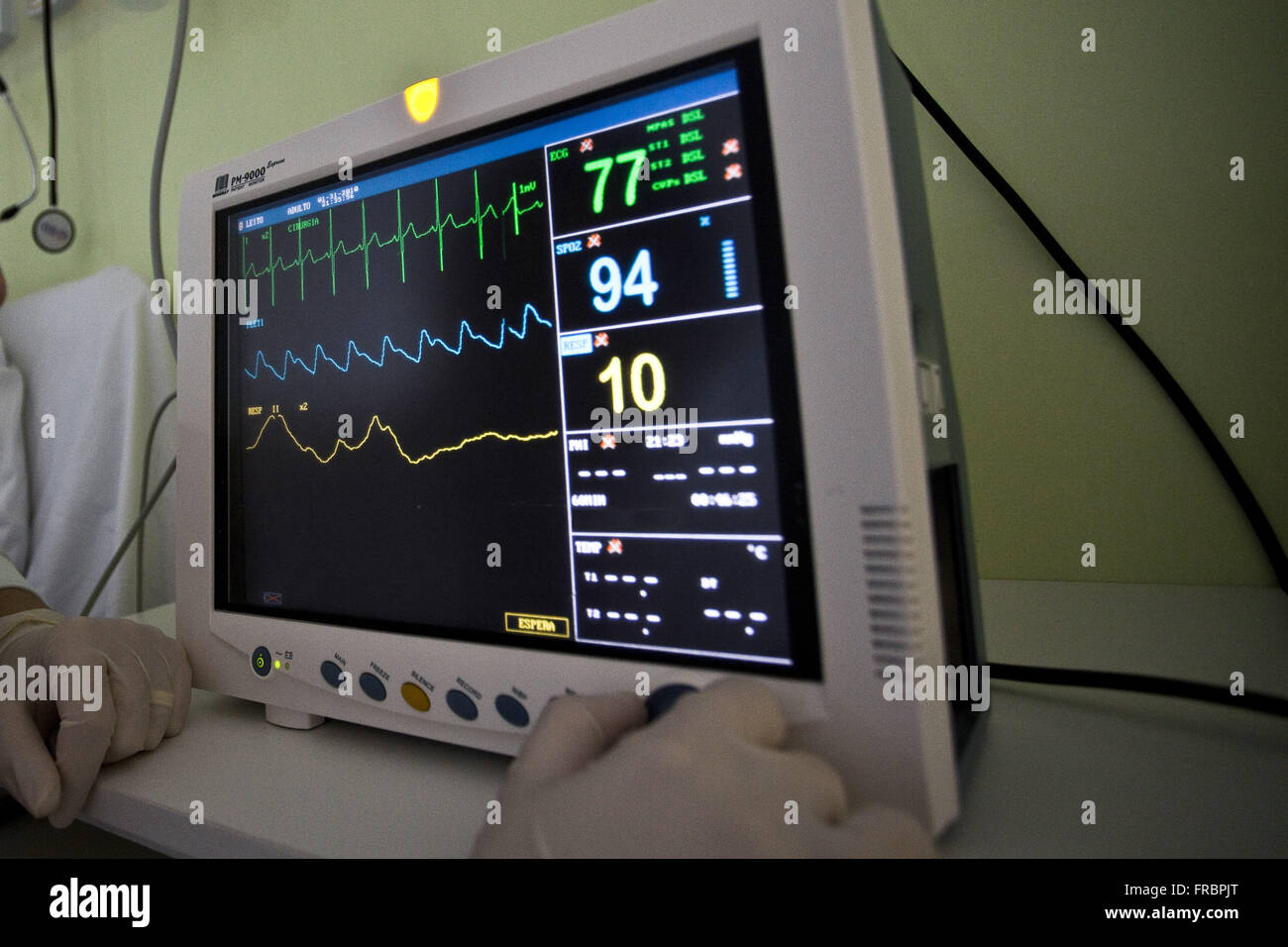 Cardiac Monitor Stock Photos & Cardiac Monitor Stock Images - Alamy