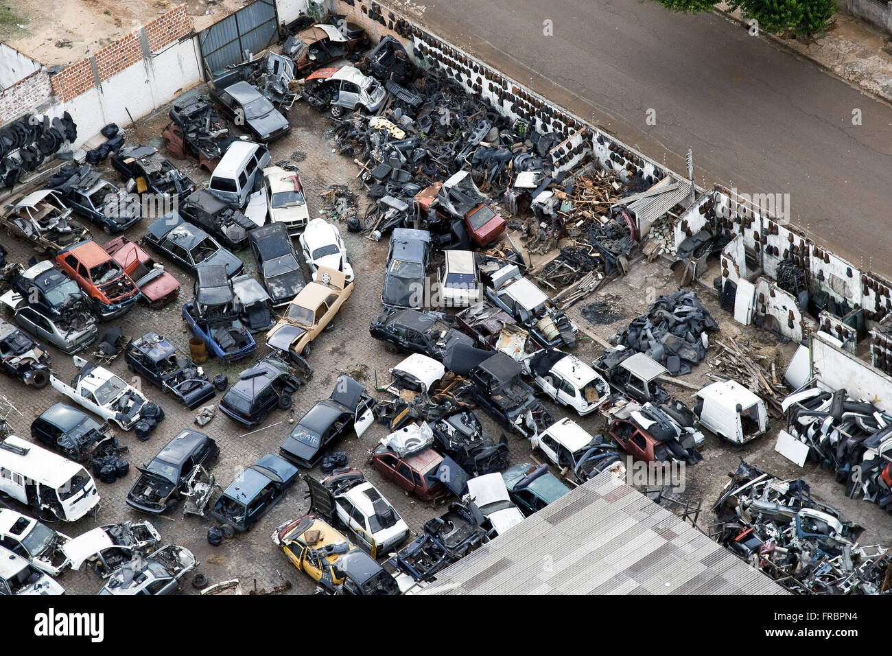 Junkyard in the central region of the city - Stock Image