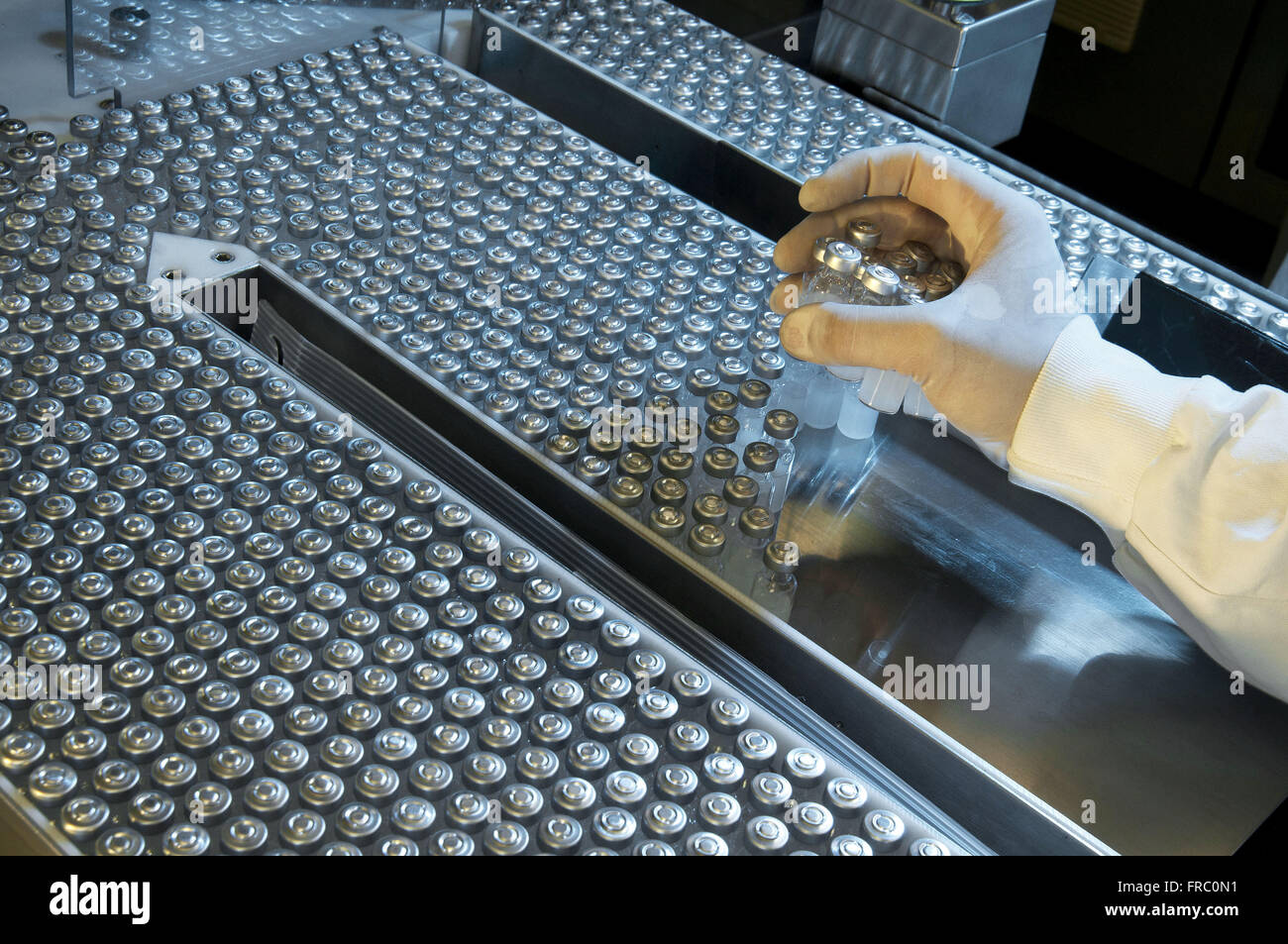 Production of combination vaccines - Stock Image