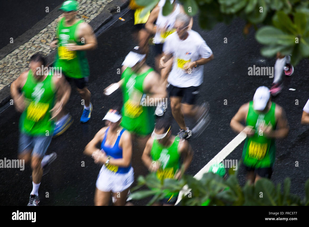 Top view of athletes in the Half Marathon in Rio de Janeiro Ipanema - Stock Image