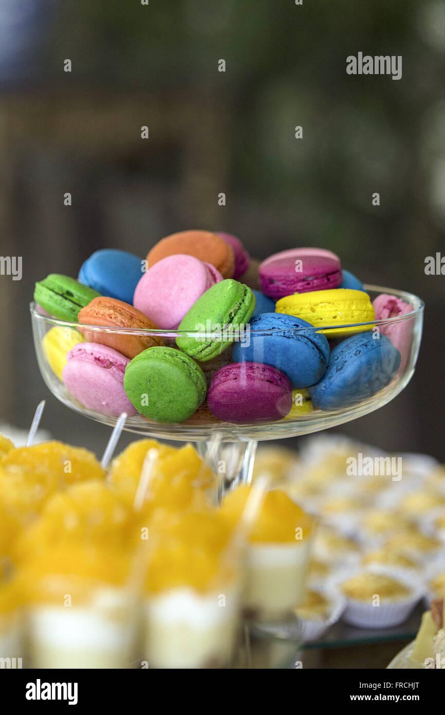 Doces Macarons - biscoitos de origem francesa feitos com clara - Stock Image