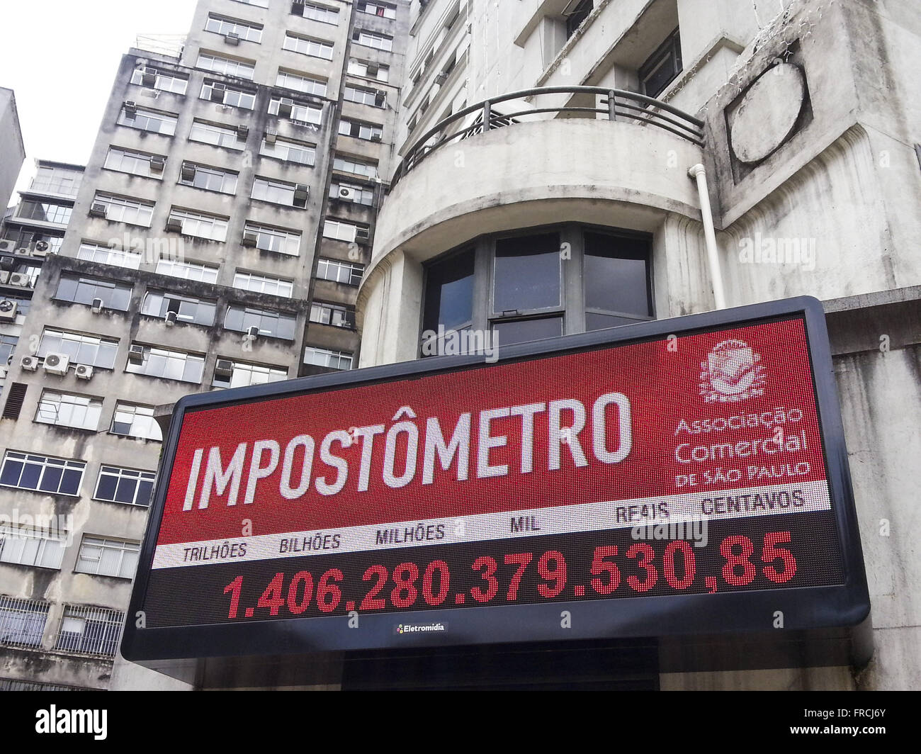 Impostômetro - panel showing the amount of taxes paid by the Brazilians in real time - Stock Image