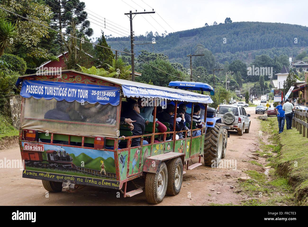 Passeio turístico de Trenzinho da Alegria no distrito de Monte Verde - Stock Image