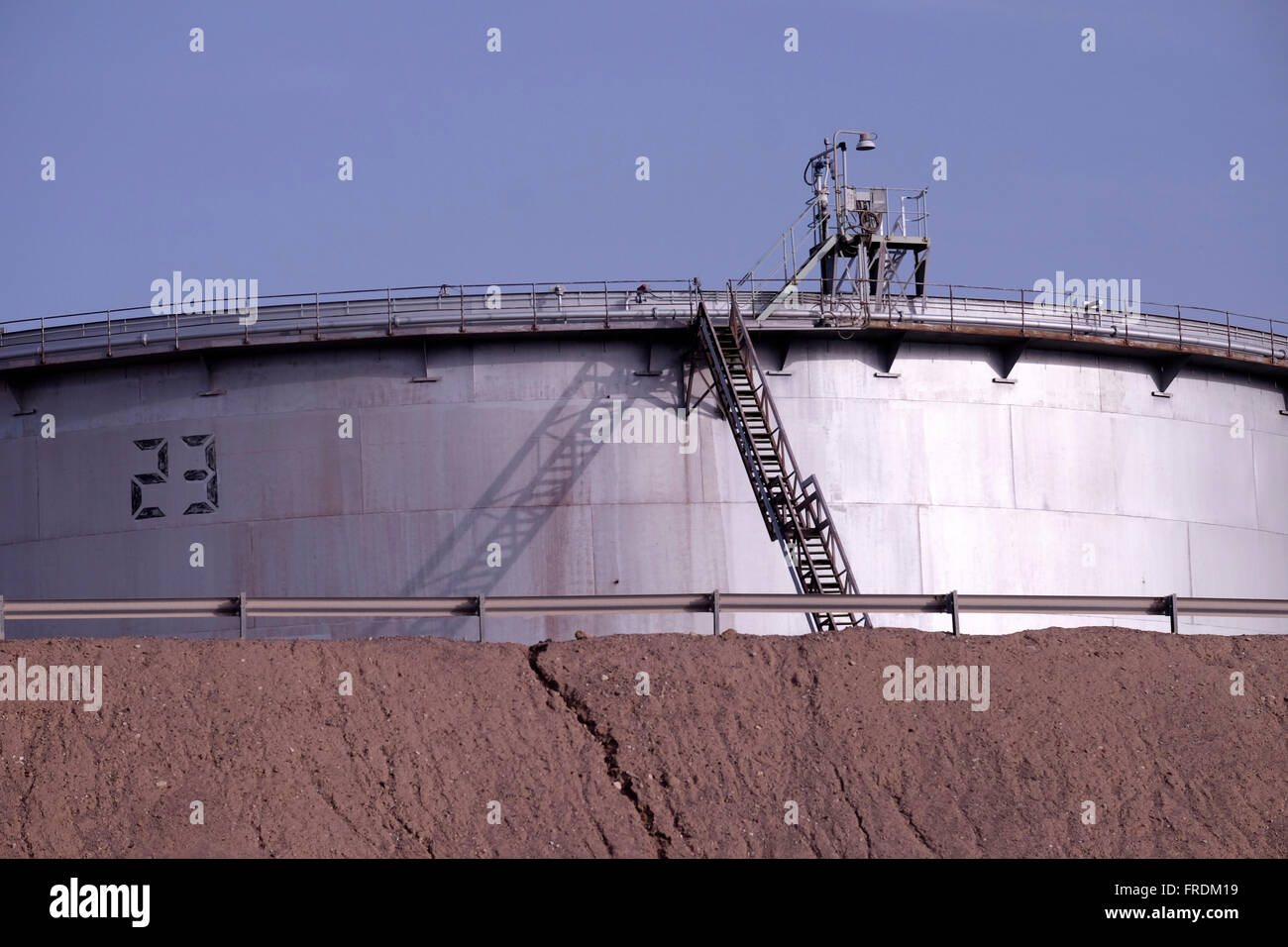 An oil storage tank of the Eilat Ashkelon Pipeline Company (EAPC) which operates the Eilat Ashkelon petroleum Pipeline - Stock Image