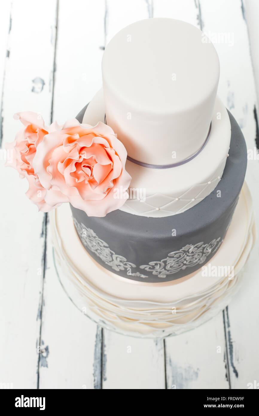 beautiful wedding cake - Stock Image