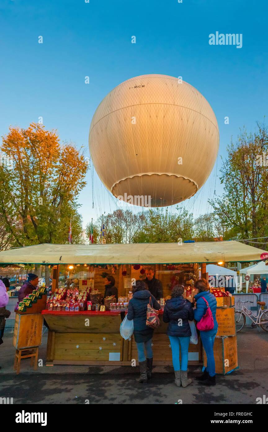 Italy Piedmont Turin Borgo Dora Baloon , Christmas market - Stock Image