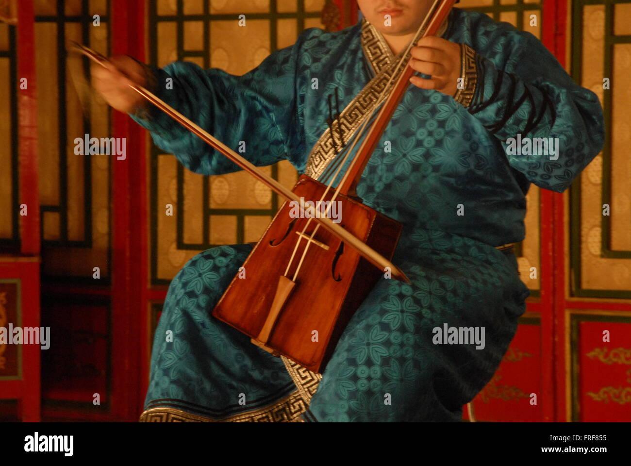 Mongolia -  09/08/2010  -  Mongolia / Ulan Bator / Ulan Bator  -  Horse fiddle   -  Sandrine Huet / Le Pictorium - Stock Image