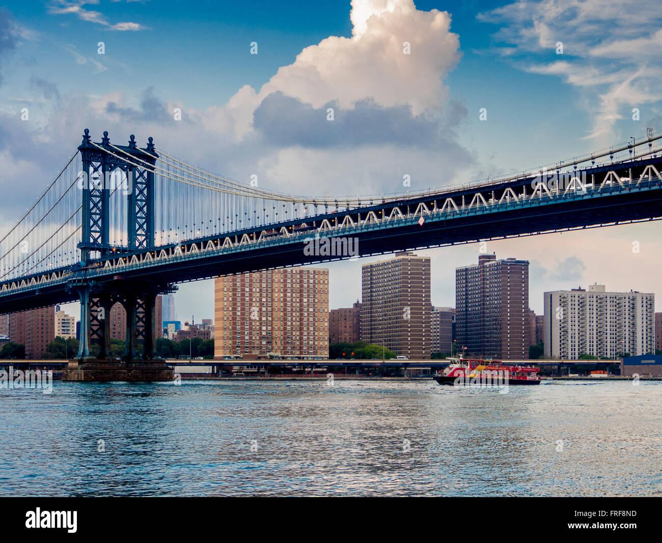 Manhattan Bridge East River New York City Usa Stock Photo Alamy